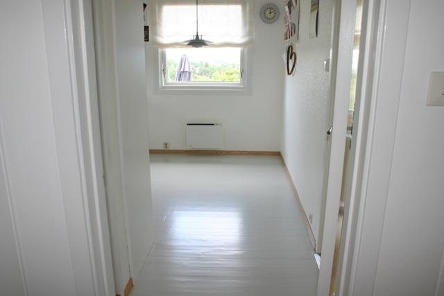 Minmill: Kjøkkengulvet ferdig malt