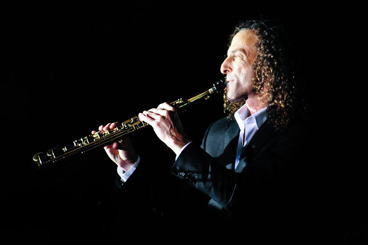 Novita Yoseline Kenny G As Popular Saxophonist