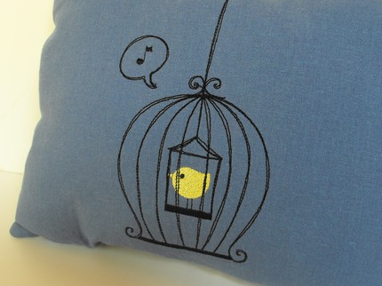 [caged_bird3.jpe]