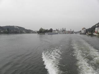 Μέση ο δούναβης ενώ δίπλα στο σπίτι