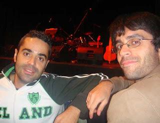 Er Dani y er Hugo esperando a Lourdes