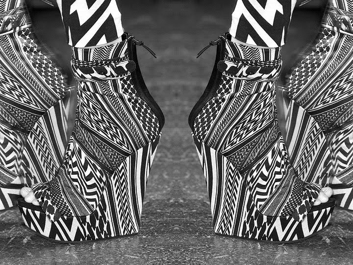 [givenchy-pattern-shoes-spring-summer-2010-ss10.jpg]