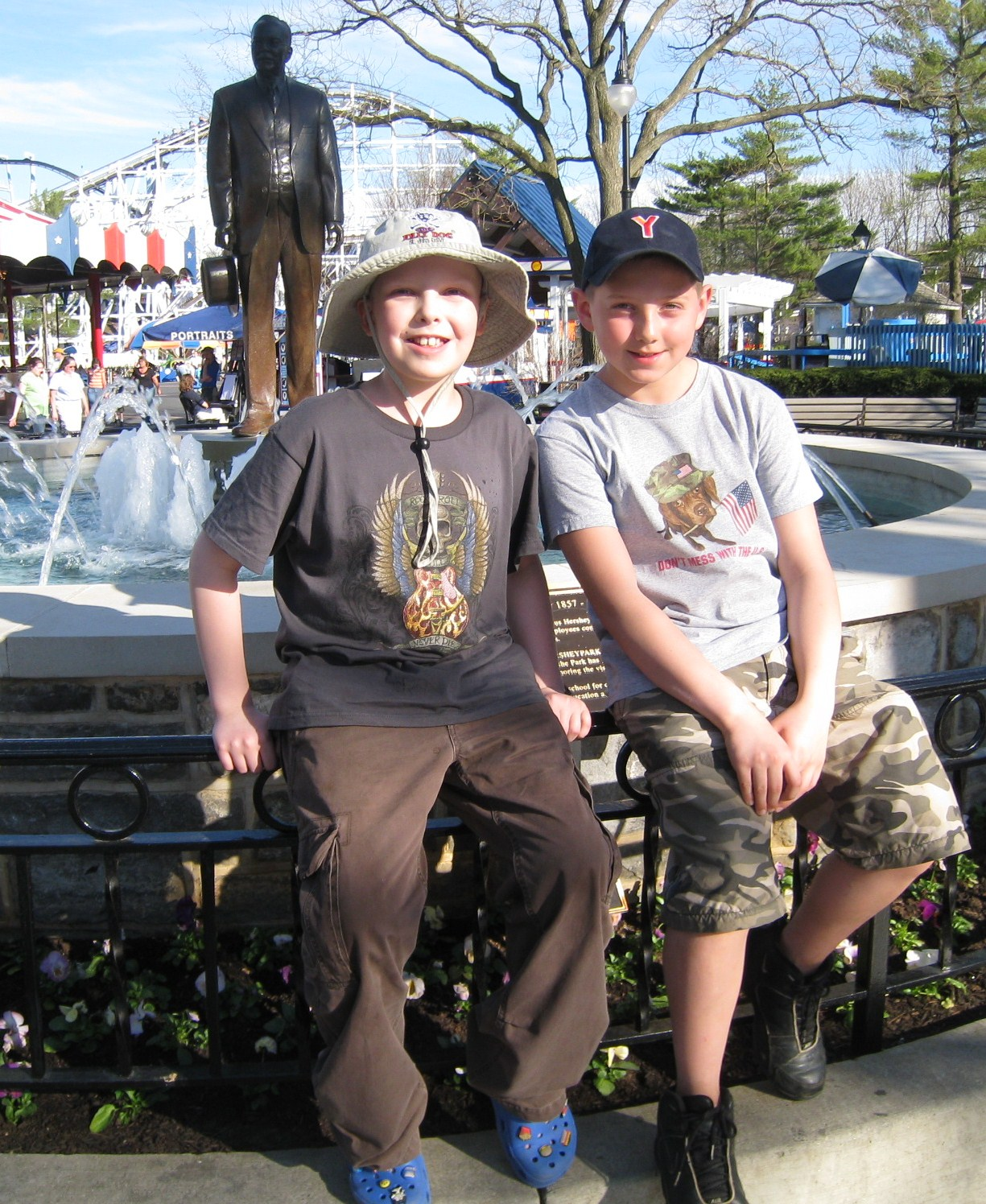 The Dudes chillin at Hershey Park