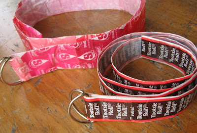 http://myplumpudding.blogspot.com/2009/05/candy-wrapper-belt-tutorial.html