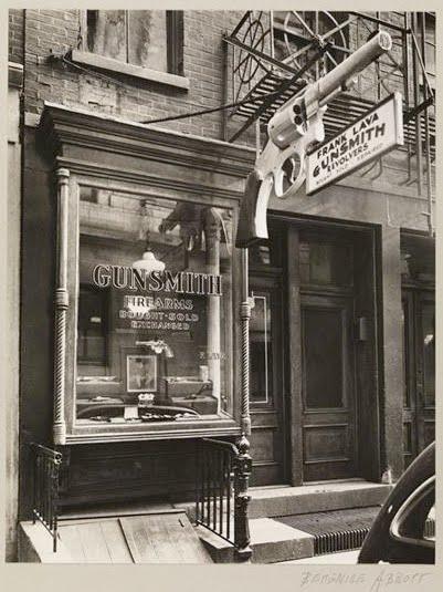 Gunsmith Signs New York 1930s