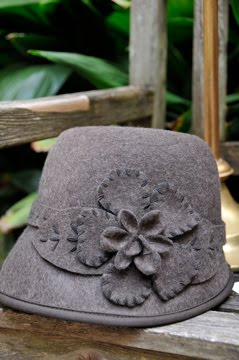 Heathered Cloche hat with stitched flower