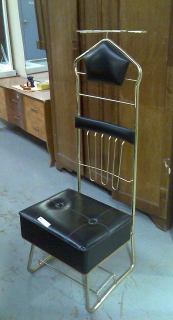 Gentlemenu0027s Valet Chair