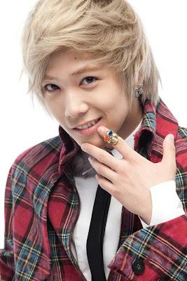 Lee Hong Ki [Acteur/Chanteur] M Hong%20ki%20%281%29