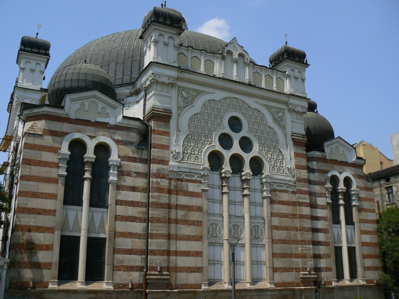 Synagogues around the world