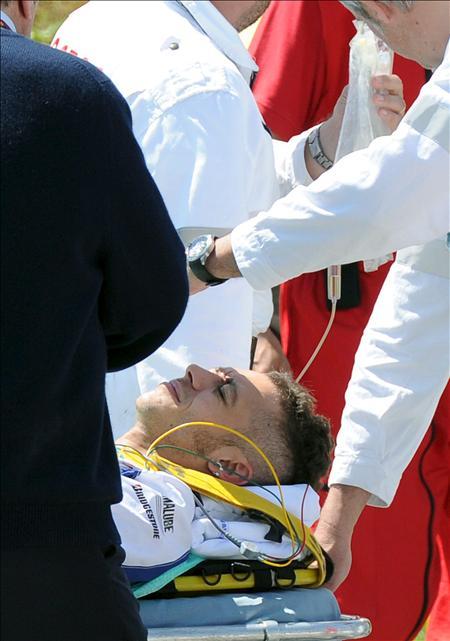 Valentino se cayó  en los entrenamientos y se facturó