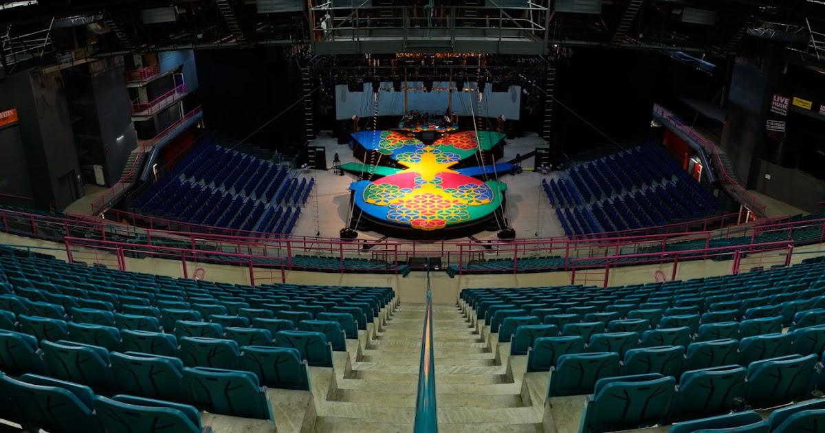 Life in the circus geneva arena geneva switzerland for Interieur u arena