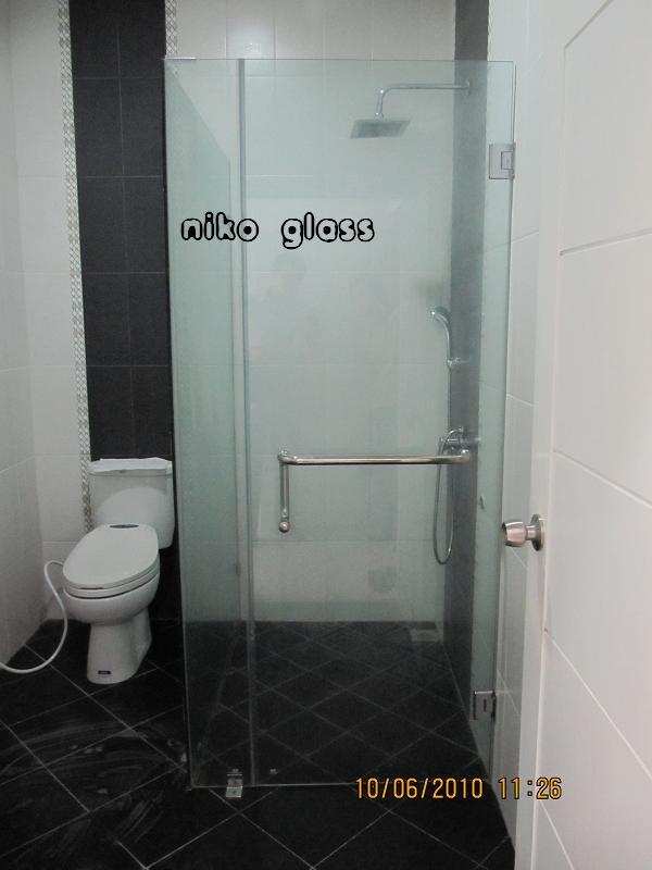 Kaca shower