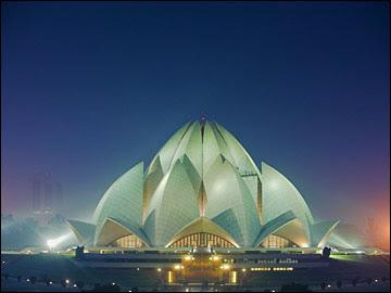 http://4.bp.blogspot.com/_dtQBMBowNV4/SDRK6jIHP3I/AAAAAAAAAfs/Kg_N5OOMjVU/s400/New-Delhi-India.jpg