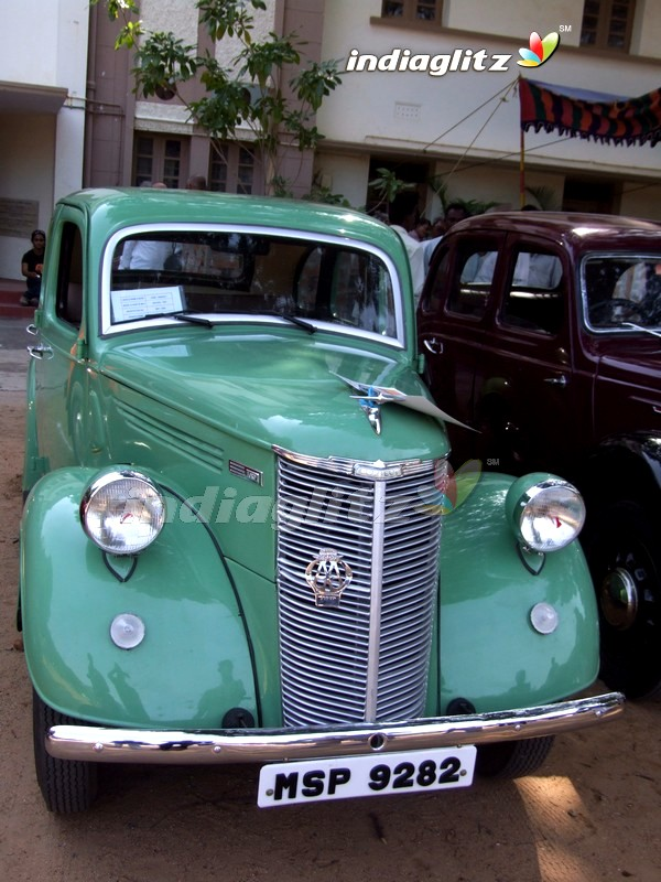 India\'s Best Collection: OLD CARS