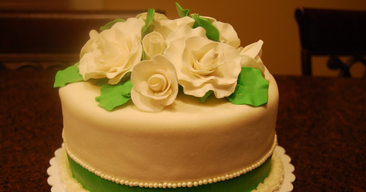 Gamma Susie\'s This n That: Wedding Cake Top With Gum Paste Roses