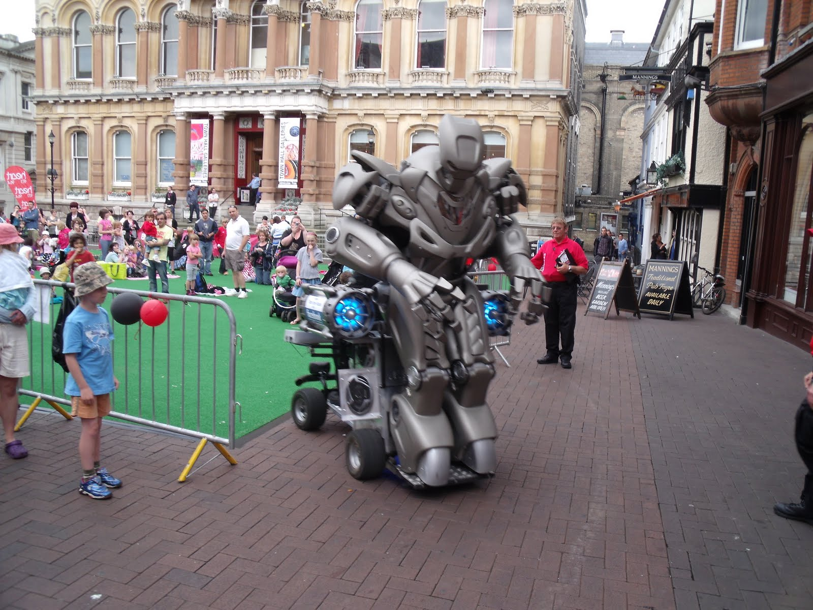 Titan The Robot  Band, Comedian, Dance Troup, Dancer, Other, Performer, Singer Newquay, Cornwall, England