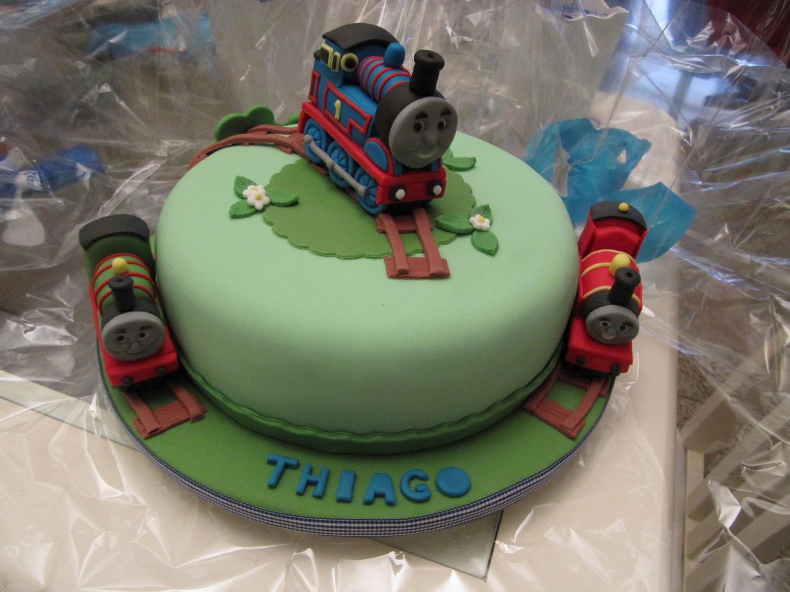 De Ser Um Bolo Muito Leve Fica Igualmente Saboroso Cake on Pinterest ...