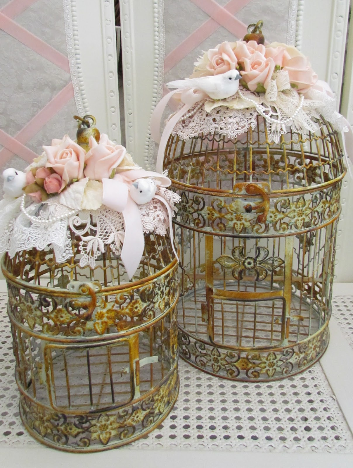 Angela lace bird cages for Retro dekoration