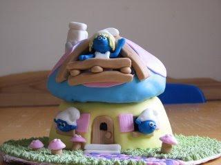 http://4.bp.blogspot.com/_dztIH6AV-0k/Sjaimk4JVoI/AAAAAAAAAIM/2G0c-j6eGEY/s320/smurf+cake.bmp