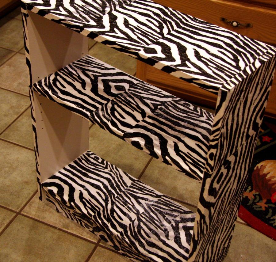 Zebra kids bedrooms giant zebra bulletin board teen for Cute zebra bedroom ideas