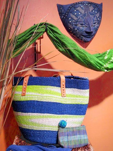 http://4.bp.blogspot.com/_e1PbfOFR6JA/S-Rw4RjYBiI/AAAAAAAAAKo/zzCVHTRpeN8/s1600/Kenya+Beach+Bag+and+Balinese+Mask+SCALED+Sharp+-+IMG_0870.JPG