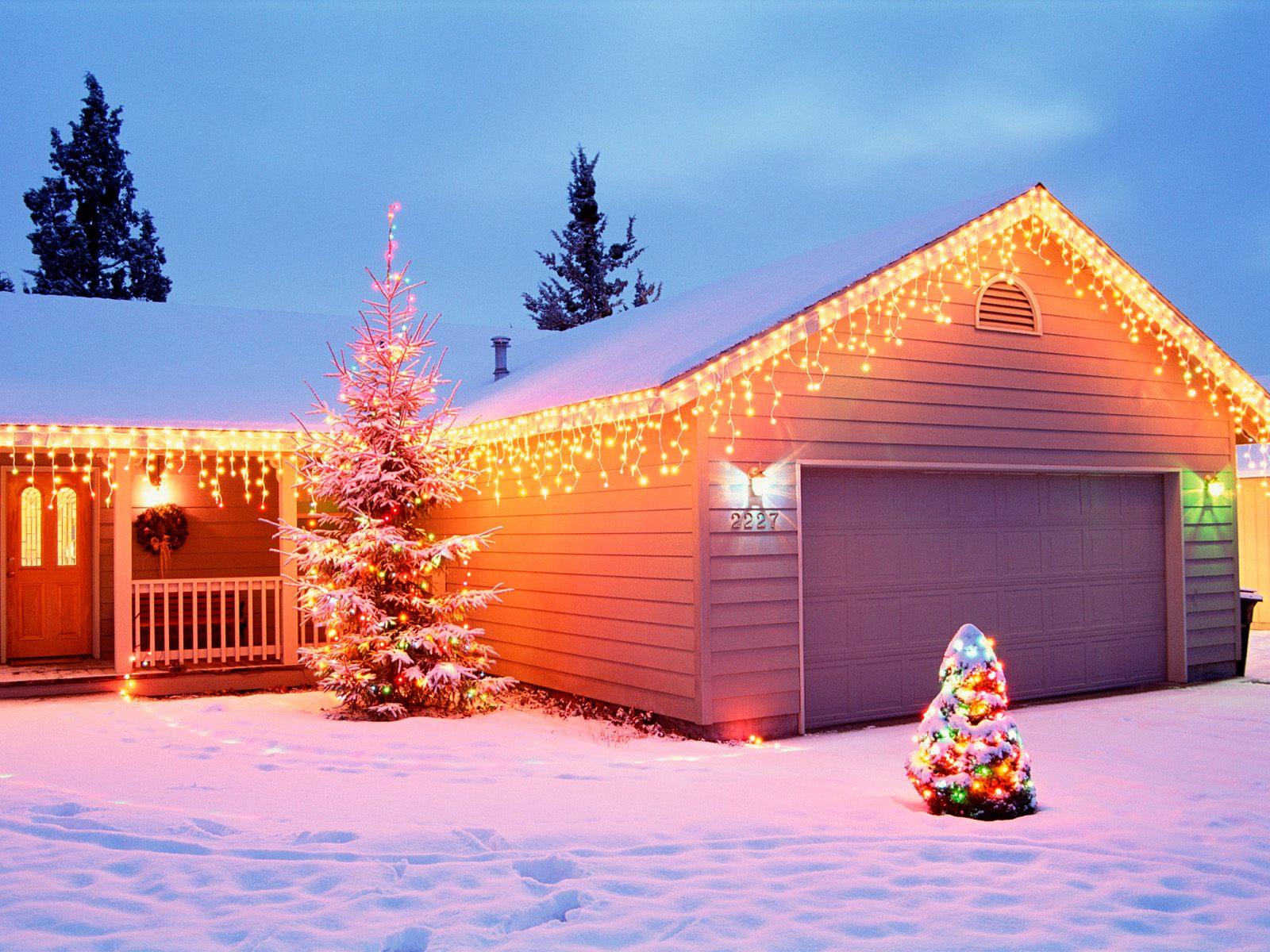 http://4.bp.blogspot.com/_e45GK4i1E8M/TROcwpVIrVI/AAAAAAAACGo/PuQmmCr8sFM/s1600/christmas-wallpaper-74.jpg