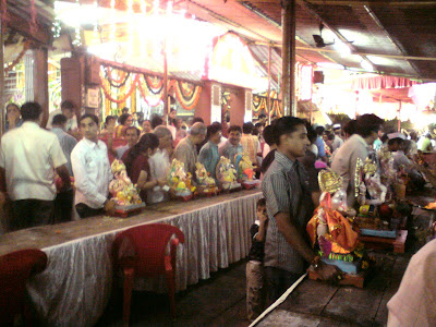 Ganesha idols waiting in line for Ganesh Visarjan