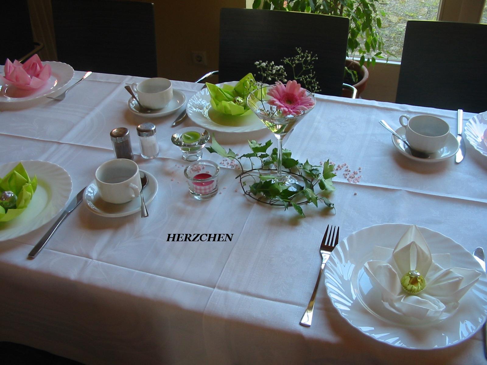 Herzchen tischdeko f r mama for Tischdeko 70 geburtstag ideen