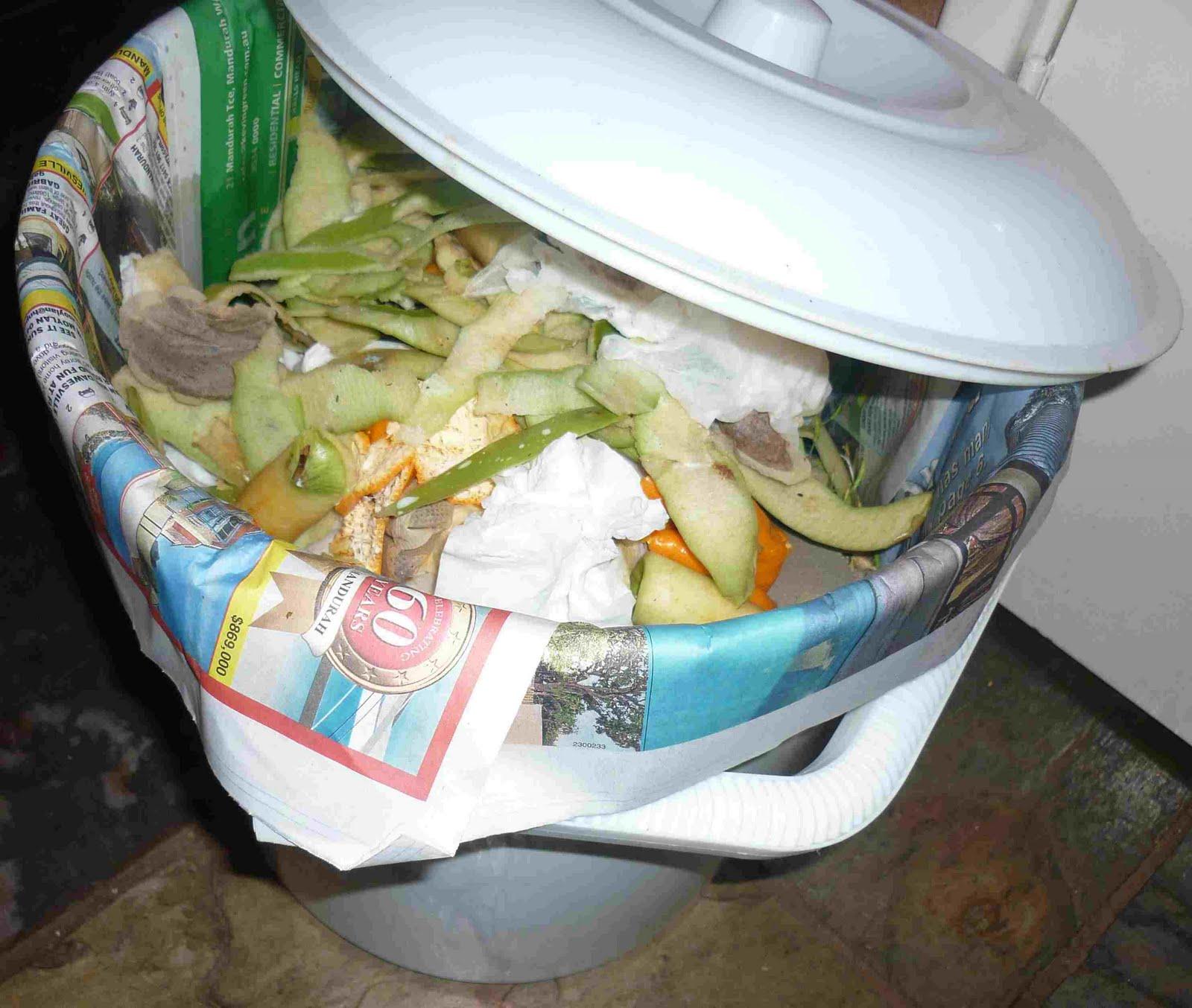 Simpleliving: Kitchen Scrap Bucket