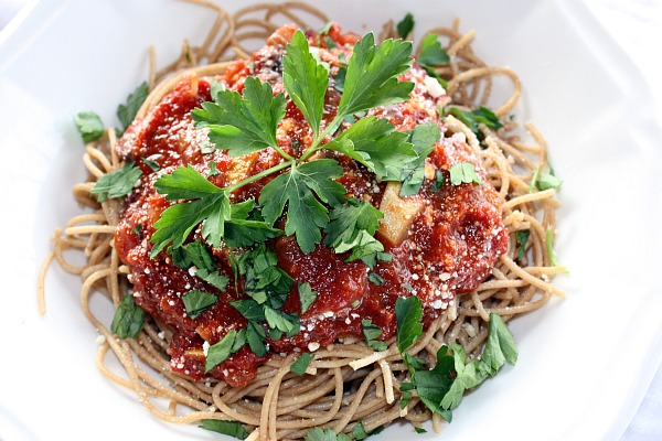 Recipes For Divine Living: Satisfying Meatless Spaghetti Sauce