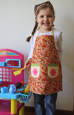 Free Sewing Pattern Girl's Garden Party Apron Tutorial: - Plus