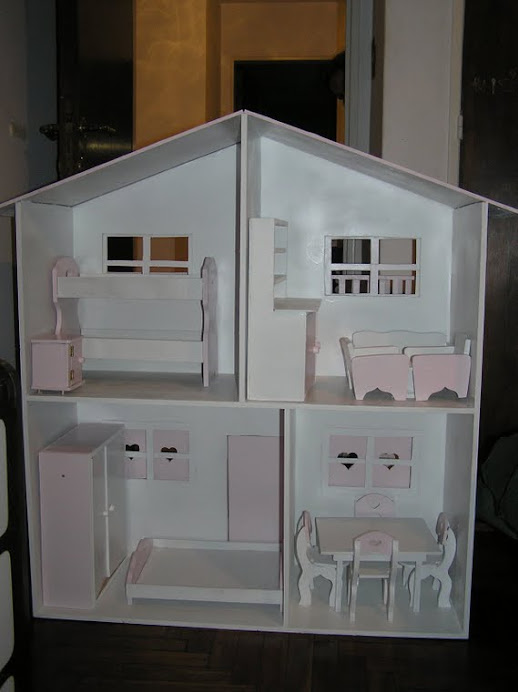Casita Barbi con muebles precio $500