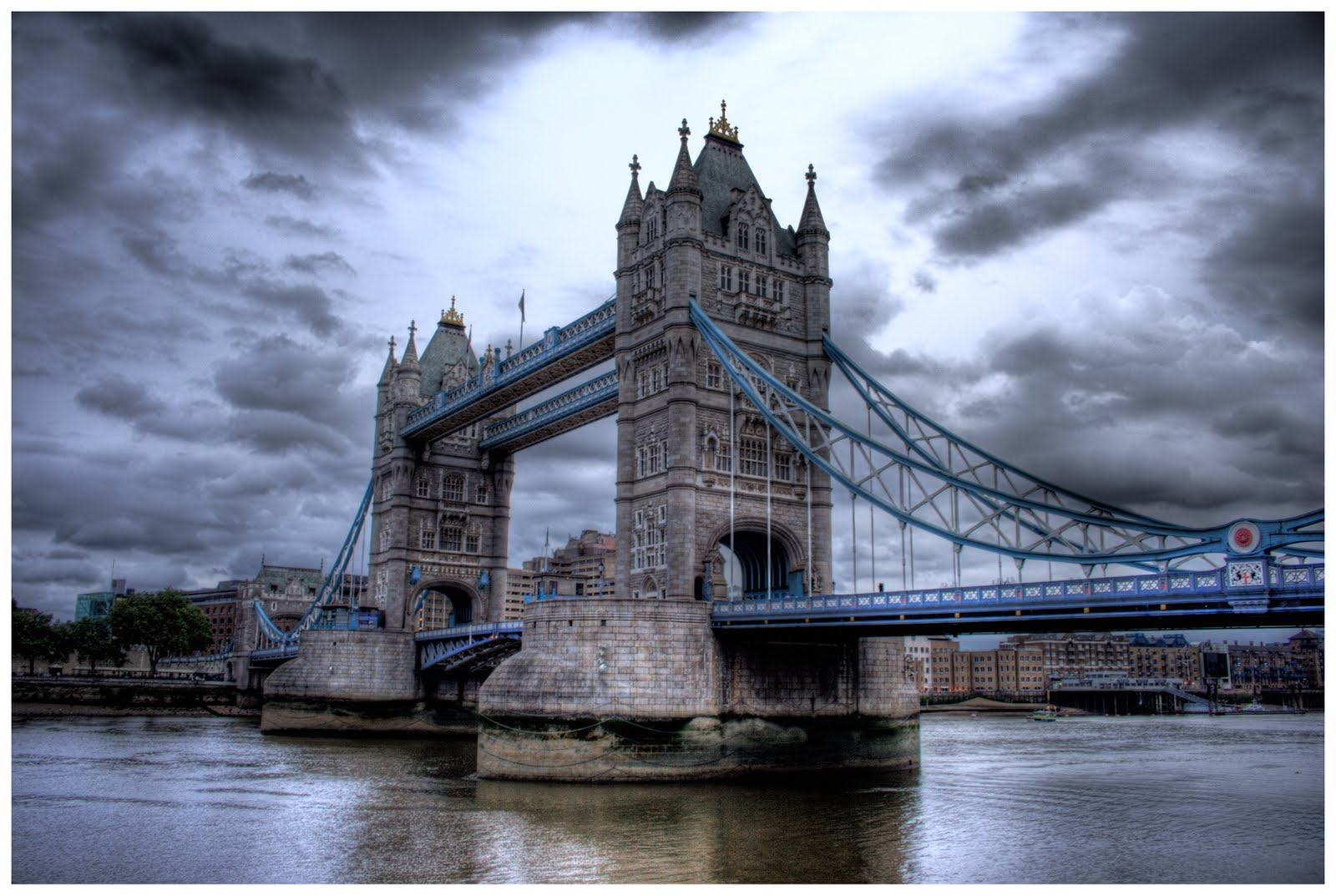 Popular destinations all around the world 5 best tourist for Architecte tower bridge