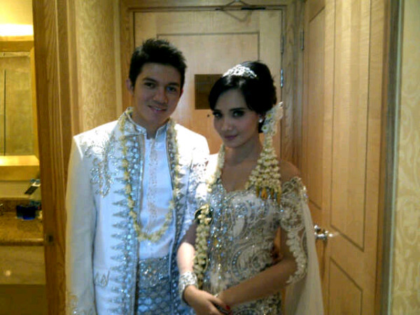 Irwansyah & Zaskia Sungkar Wedding Picture