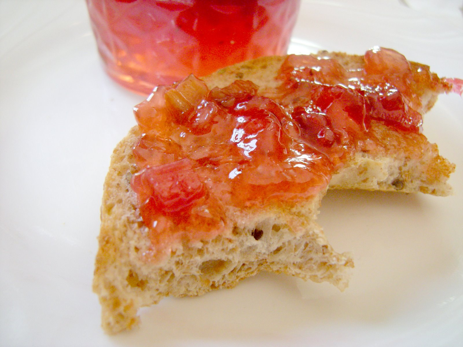 Crafty Lass: Rhubarb Strawberry Jam