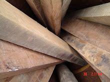 A reciclagem de madeira e outros fragmentos.