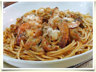 pasta spaghetti white sauce