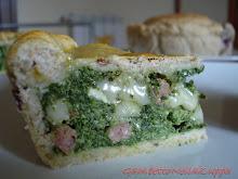 Torta rustica spinaci, ricotta, Provolone del Monaco e Salame Napoli