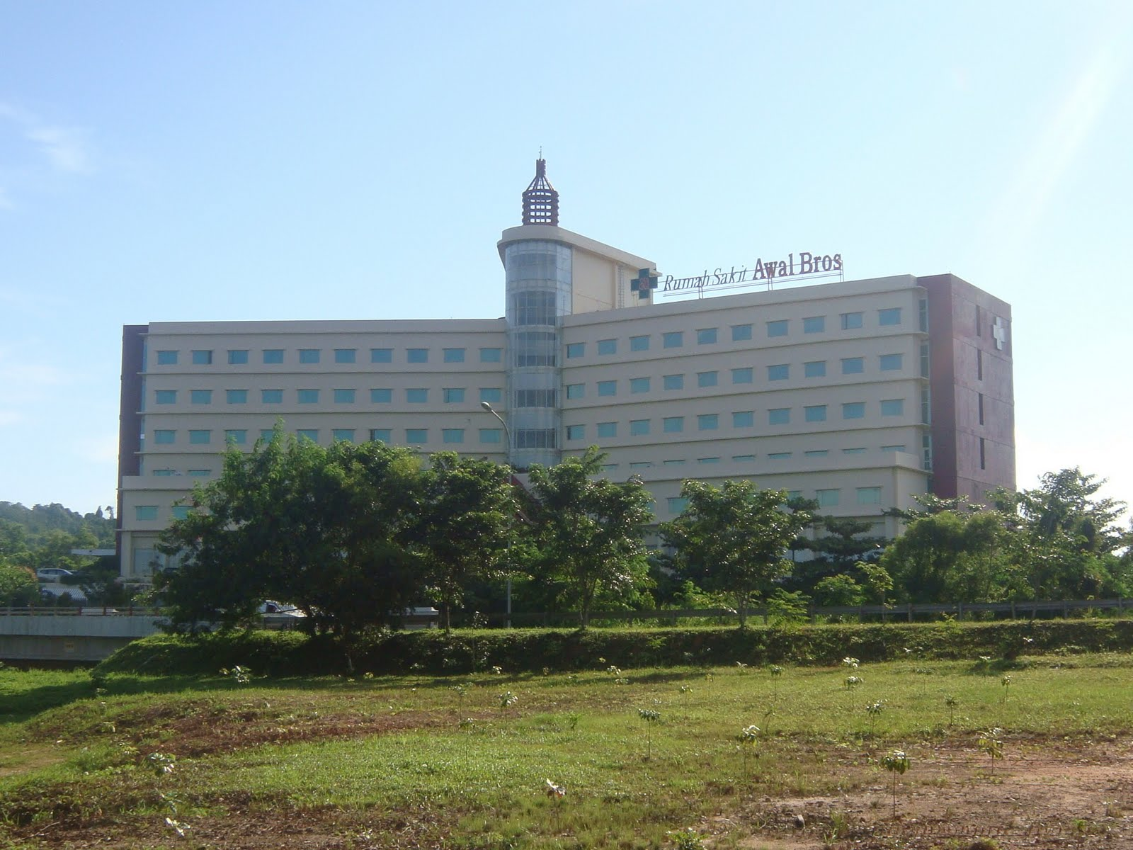 berikut adalah daftar alamat sejumlah rumah sakit di batam