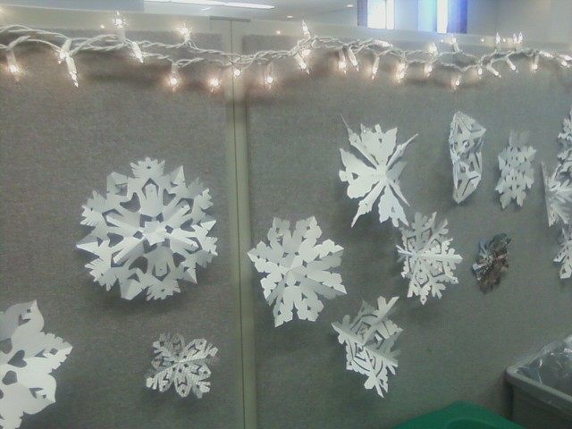Simple WinterWonderlandDecoratingIdeas Cubicle Christmas Winter Wonderland