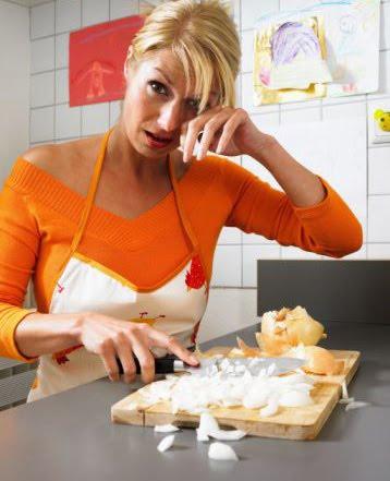 chopping-onions.jpg