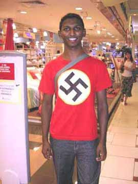 negro camisa nazista