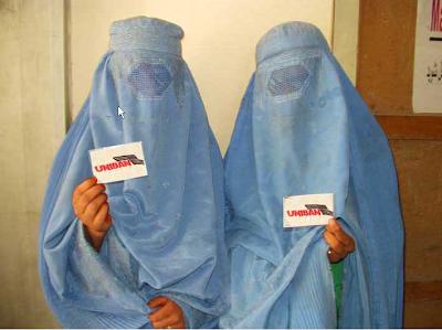 taliban alunos se vestem na uniban