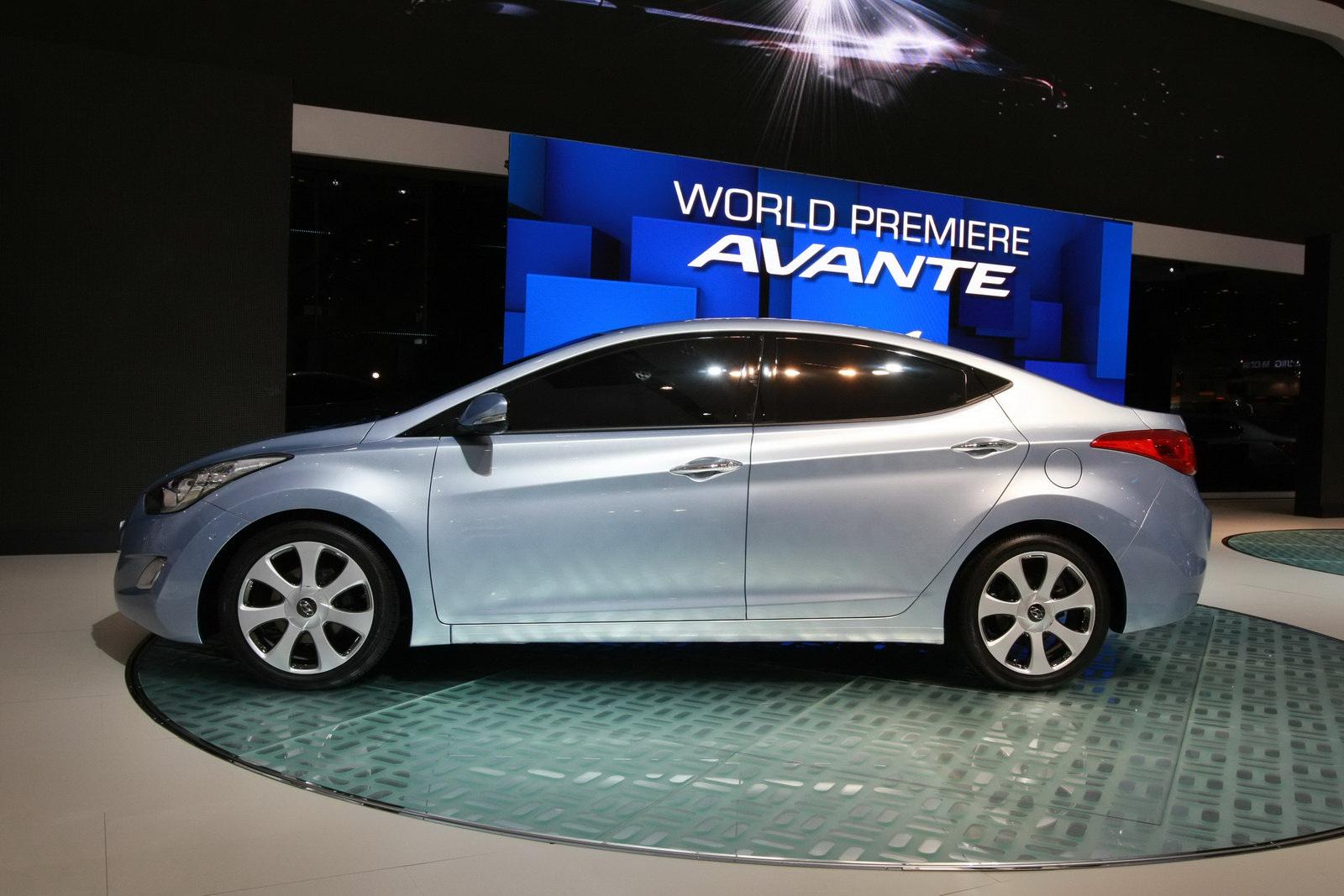CARaZINE   we love cars  2011 Hyundai Elantra