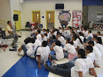 Con Niños y Jovenes Inmigrantes en EEUU