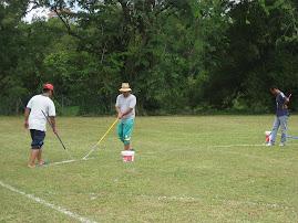 Guru-guru berpanas menyiapkan line padang