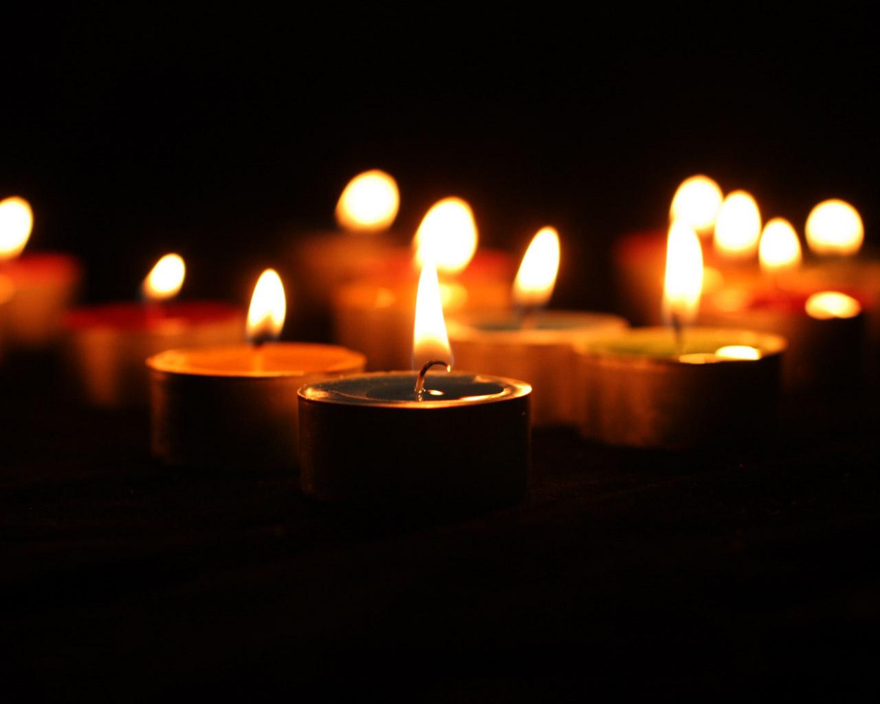 http://4.bp.blogspot.com/_eNG_XNKbhsk/S83ontWuQ2I/AAAAAAAAAIw/OpHyWKxNpiU/s1600/candle_wallpaper_candle_2020.jpg