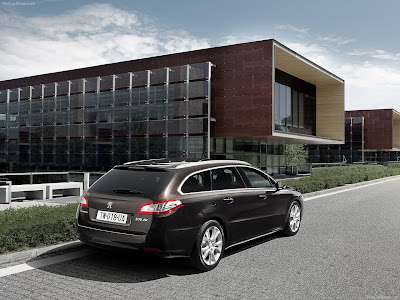 Peugeot 508 2011 saloon car