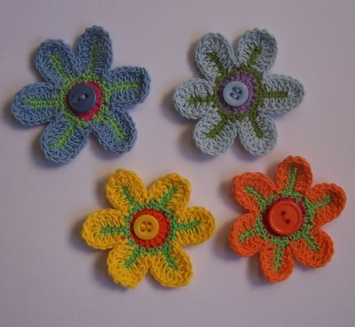 Flores a crochet flores tejidas de ganchillo - Hacer flores de ganchillo ...