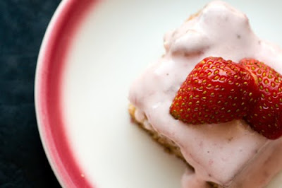 strawberry sheet cake